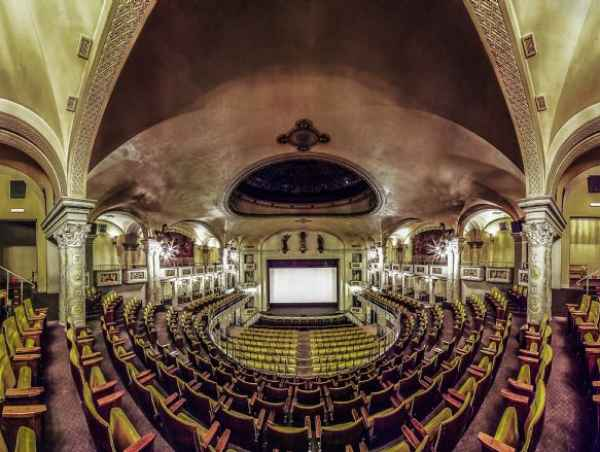Affitta sale meeting di Cinema Teatro Odeon a Firenze