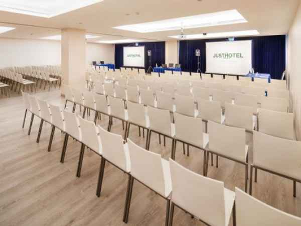 Affitta sale meeting di Just Hotel Lomazzo Fiera a Lomazzo