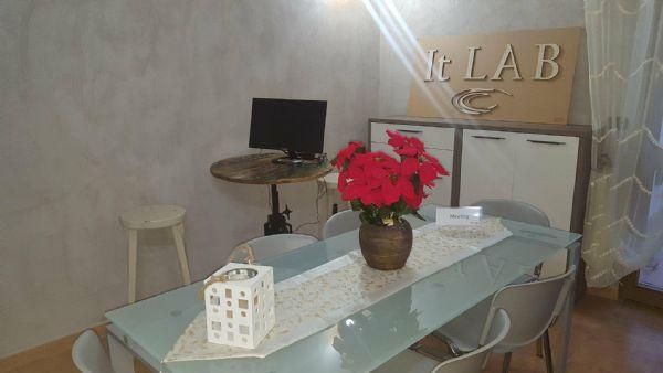 Scrivania Ufficio Lecce : Coworking lecce in affitto temporaneo confronta i prezzi