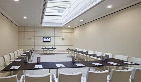 Sale Riunioni Roma Termini : Una hotel roma affitta sale meeting e riunioni a roma