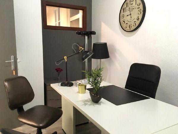 Uffici arredati bari in affitto temporaneo for Uffici arredati