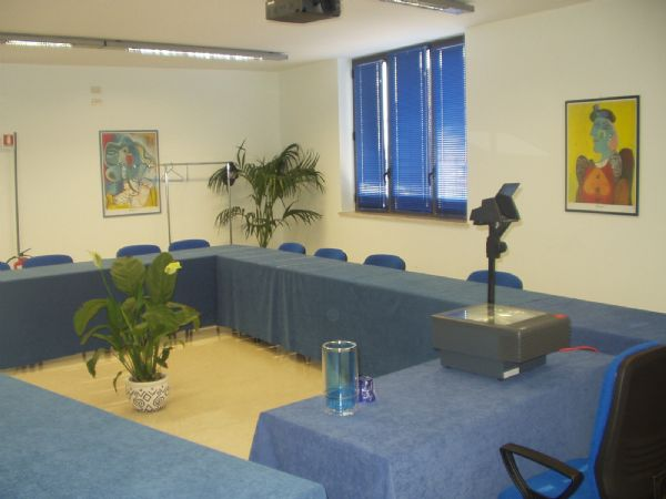 Colosseum business center 1 affitta sale meeting e riunioni a Paceco, TP, Sic...