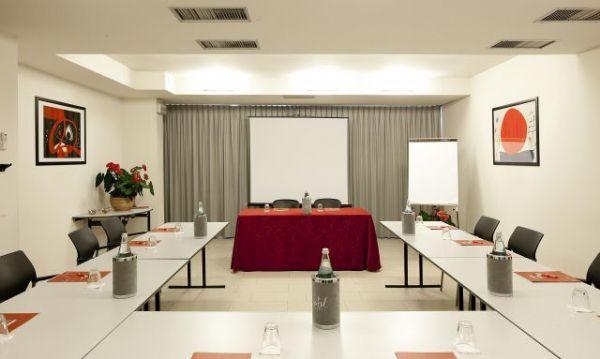 Sale Riunioni Firenze : Sale meeting calenzano centri congressi e riunioni